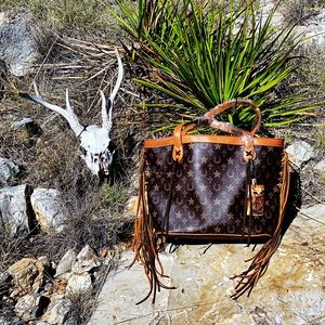 🌵FRINGED OUT MONTANA WEST SHOULDER BAG🌵